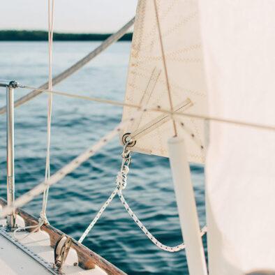 Sejl på båd